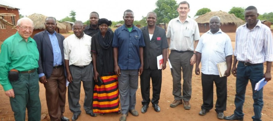 Committee of Marumba Villagers with TDT Project Officers